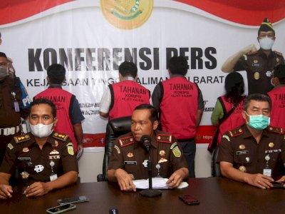 FOTO: Rilis Kasus Korupsi Pekerjaan Penanaman Sawit PTPN