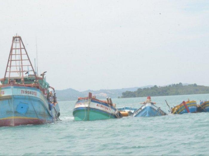 Mantap! KKP-Kejaksaan Tenggelamkan 10 Kapal Pencuri Ikan
