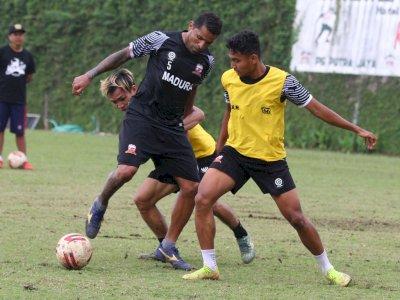 FOTO: Pemusatan Latihan Madura United Jelang Piala Menpora