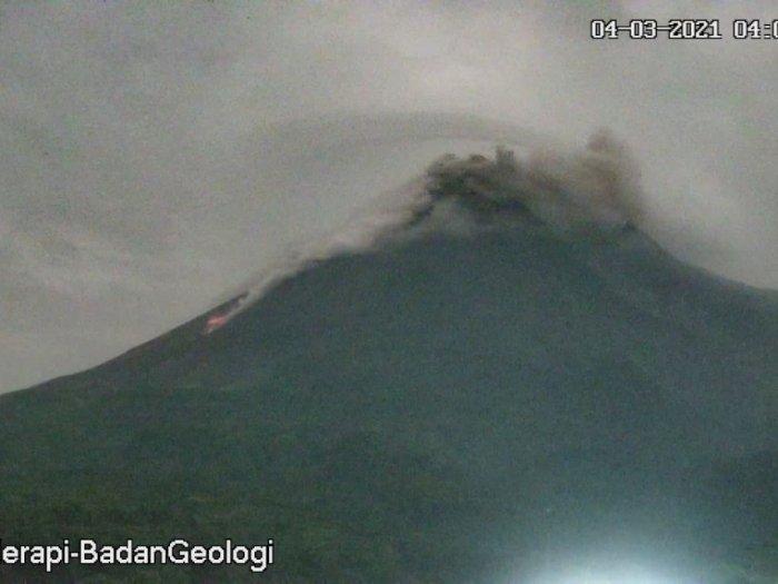 Status Siaga, Gunung Merapi Luncurkan Awan Panas Guguran Sejauh 1,2 km