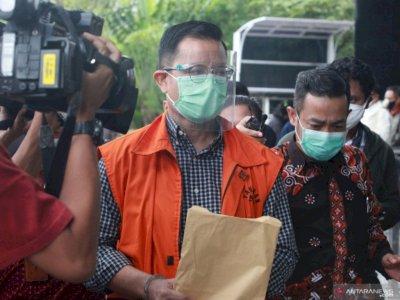 Terkait Suap Bansos, KPK Perpanjang Penahanan Juliari Batubara Selama 30 Hari