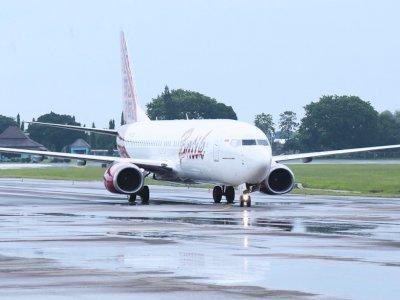 Mendarat Darurat, Pesawat Batik Air Masih di Landasan Pacu Bandara Jambi