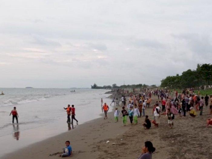Sering Bermain ke Laut Usai Mengaji, Bocah Belasan Tahun Terseret Ombak di Pantai Padang