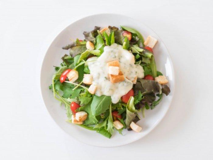 Hindari Konsumsi Salad Pakai Mayones, Ini Alasannya