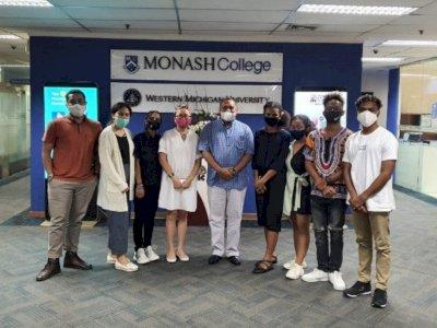 7 Pelajar Papua Ini Dikirim untuk Kuliah di Amerika Serikat