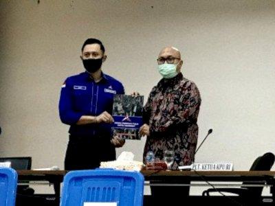 Datangi Kantor KPU, AHY dan Sejumlah Pengurus DPD Serahkan Dokumen Sah Kepengurusan PD