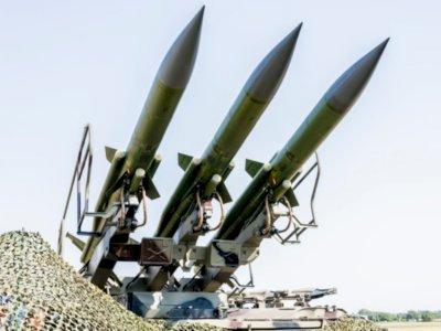Lagi, Pasukan Houthi Yaman Luncurkan Rudal dan Drone ke Fasilitas Minyak Arab Saudi