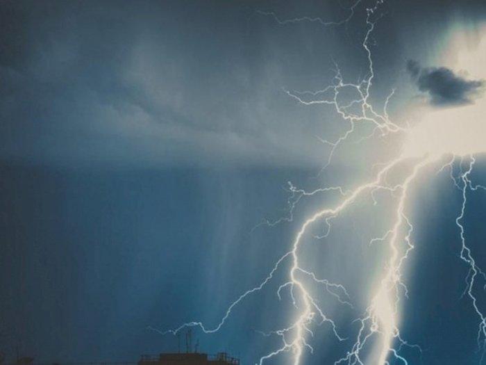 Sembilan Daerah di Sumut akan Hujan Lebat dan Petir juga Angin Kencang, Waspadalah