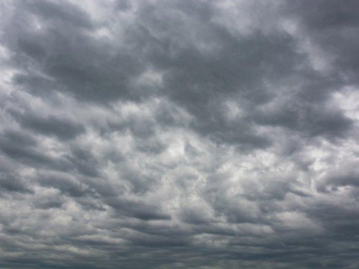 Ternyata Ini Penyebab Langit Mendung Sebelum Turun Hujan