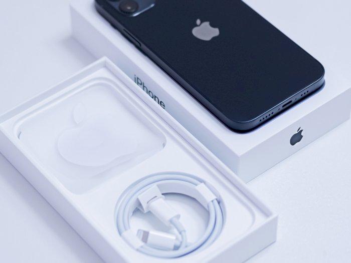 Tak Sediakan Adapter Charger di iPhone Terbaru, Apple Didenda Rp28 Miliar!