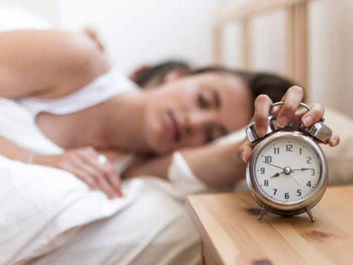 Apa yang Terjadi pada Tubuh Jika Sering Bangun Tidur Sebelum Alarm Bunyi?