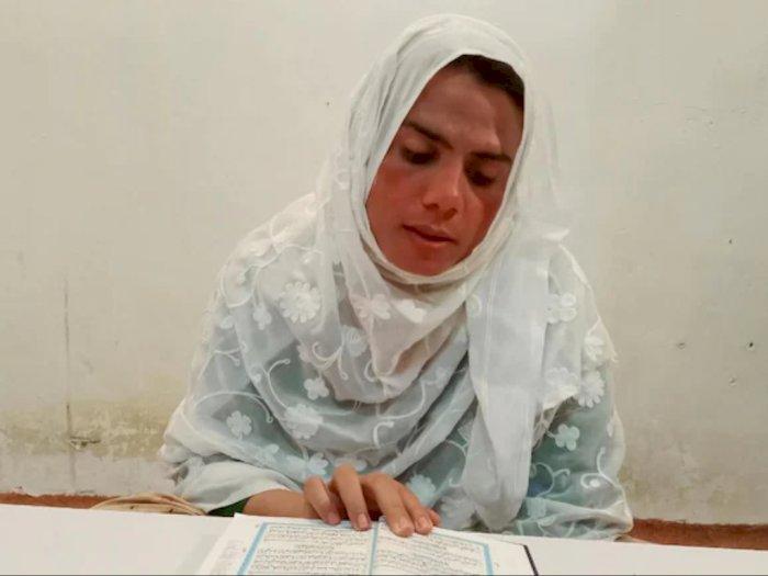 Kisah Seorang Transgender di Pakistan yang Mendirikan Sebuah Sekolah Islam