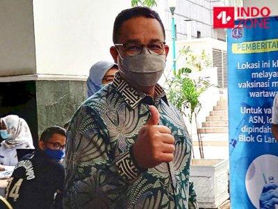 Tinjau Vaksinasi Wartawan di Balai Kota, Anies Siapkan 5.200 Vaksin untuk Jurnalis
