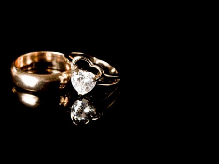 Sesama Barang Berharga, Lebih Langka Emas atau Berlian?