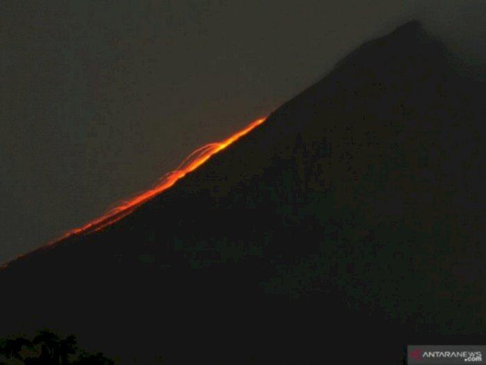 Jumat Ini, Gunung Merapi Luncurkan Guguran Lava ke Arah Tenggara