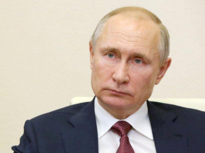 Vladimir Putin Alami Efek Samping Setelah Vaksinasi Covid-19