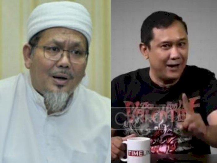 Denny Siregar Sebut Ada Orang Salat di Jalan dan Sembah Baliho, Tengku Zulkarnain Bereaksi