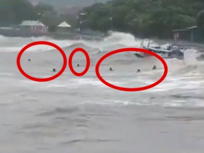 Mengerikan! Video 6 Orang Terombang-ambing di Laut Akibat Terjangan Gelombang Tinggi NTT