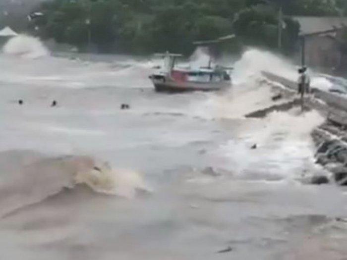 BNPB: 8.424 Warga NTT Mengungsi Akibat Siklon Tropis Seroja