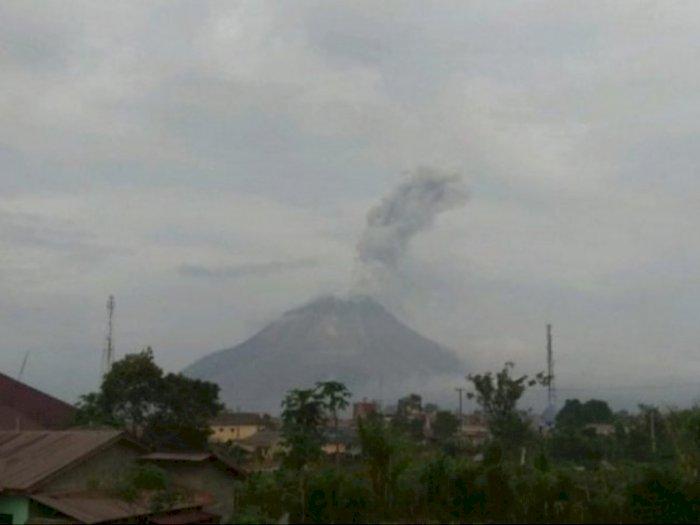 Erupsi Gunung Sinabung Luncurkan Abu Vulkanik Sejauh 1.000 Meter