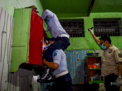 FOTO: Penggeledahan Kamar Warga Binaan di Lapas Ciamis