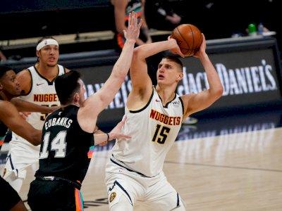 FOTO: Denver Nuggets vs San Antonio Spurs 106-96