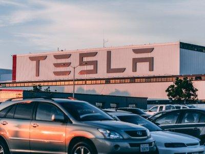 Elon Musk Ungkapkan Teknologi FSD Tesla V9.0 Hampir Siap!
