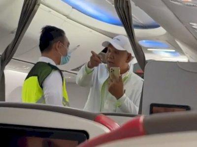 Viral Video Penumpang Tak Bermasker Marahi Kru Batik Air: yang Menggaji Kau Penumpang