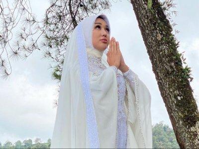 Lucinta Luna Keluarkan Single Religi, Netizen: Bingung Ucap MasyaAllah atau Astaghfirullah