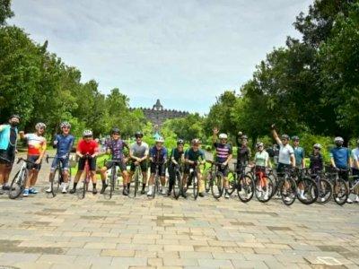 Dear Traveller, Ada Paket Wisata Bersepeda dengan Rute Candi Prambanan-Borobudur