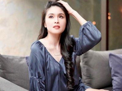 Sandra Dewi Tuai Pujian Usai Pamer Punggung Seksi & Mulus: Body No Lemak