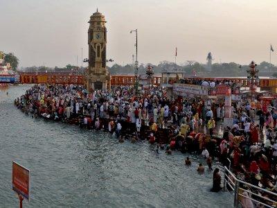 FOTO: Ritual Mandi di India