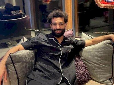Duduk Bersantai di Sofa, Mohamed Salah Ucapkan Selamat Ramadan