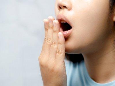 8 Tips Cara Menghilangkan Bau Mulut Saat Puasa Ramadhan