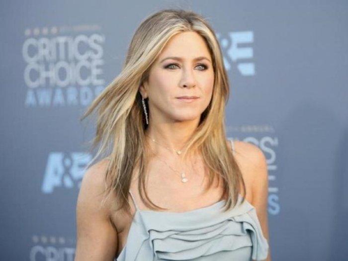 Jennifer Aniston Dilaporkan Adopsi Bayi Perempuan dari Panti Asuhan di Meksiko!