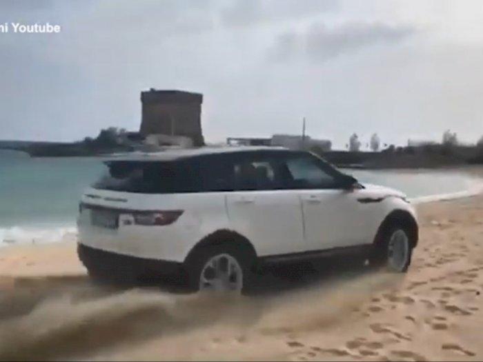 Pengendara Range Rover Didenda Rp47 Juta Karena Berkendara di Pantai!