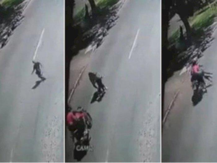 Berusaha Menyelamatkan Anaknya yang Menyebrang, Wanita Ini Tewas Ditabrak Sepeda Motor