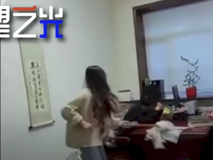 Wanita Asal Tiongkok Ini Pukul Bos Pakai Kain Pel Diduga karena Lakukan Pelecehan Seksual