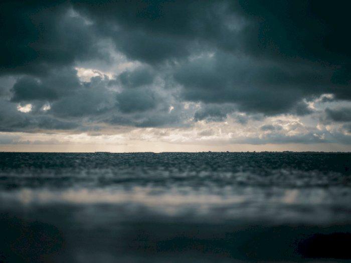 Air Laut Naik di Lembata NTT, Warga  Berbondong-bondong Selamatkan Diri