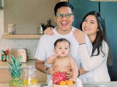 Sedang Dirawat karena Positif COVID-19, Arief Muhammad Umumkan Istri Positif Hamil