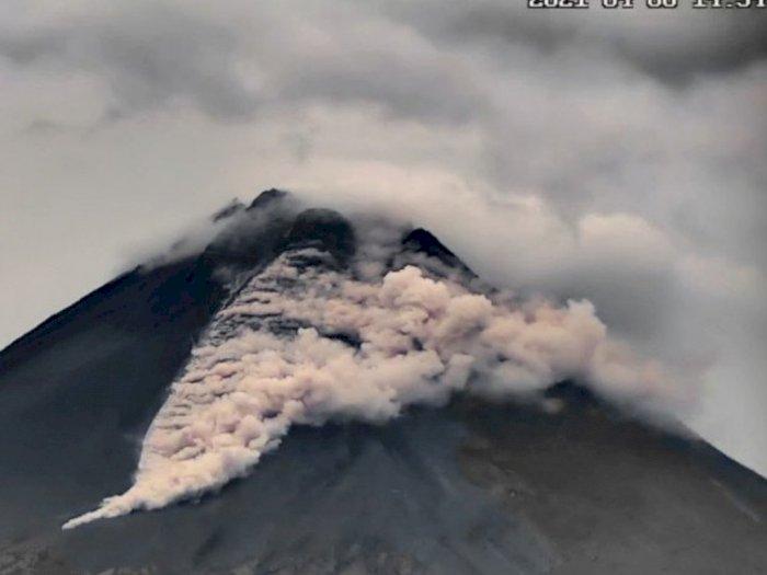 Selasa Pagi, Gunung Merapi Luncurkan Tiga Kali Awan Panas Guguran Sejauh 1,5 Km