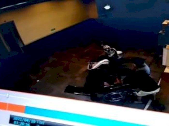 Terungkap! Penyebab Penusukan Pria yang Ditinggal di RS Jakbar, Ternyata Gegara Taruhan