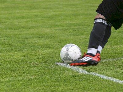 Studi Ini Ungkapkan Manfaat Bermain Sepak Bola saat di Sekolah Menengah!