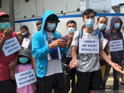 Pengungsi Asing Berdemo Tuntut Presiden Jokowi, Ngaku Ingin Keluar dari Indonesia
