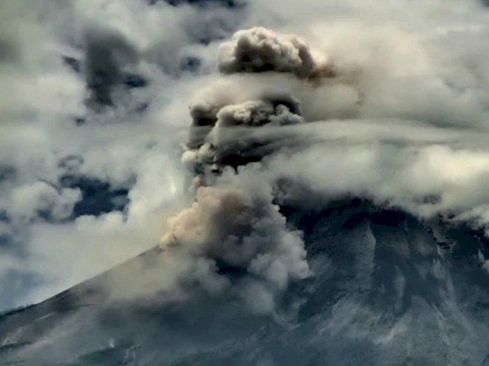 Gunung Merapi Kembali Luncurkan Awan Panas, Hujan Abu di Wilayah Cepogo Boyolali