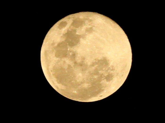 FOTO: Fenomena Supermoon Pink Moon