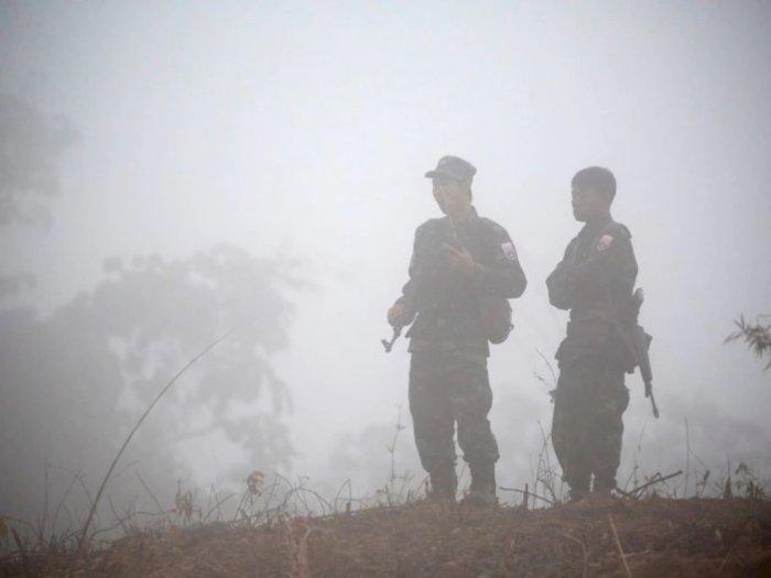 Kelompok Etnis Bersenjata Myanmar Bakar Pos Militer di Perbatasan