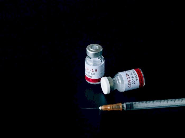 Pemprov DKI Prioritaskan Vaksin AstraZeneca untuk Warga di RW Kumuh