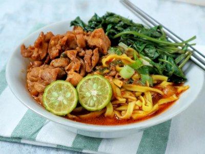 Pengin Makan Yang Enak dan Segar? Makan Mie Kangkung Ebi Saja!