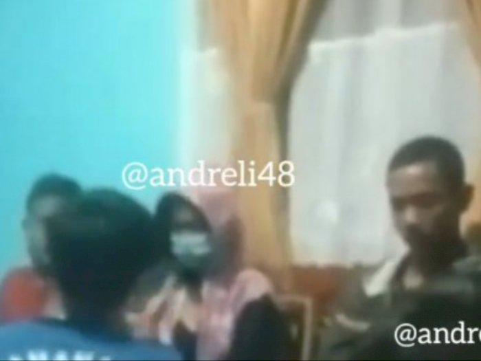 Astaga! Wanita Ini Threesome dengan 2 Pria Dalam Rumah di Jambi, Berakhir Digerebek Warga